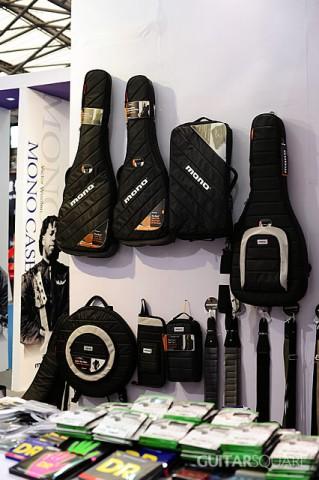 美国MONO专业乐器包悬挂在吉他平方展位