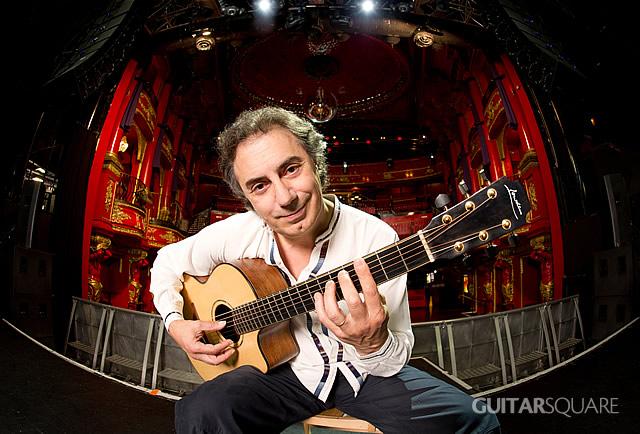 著名指弹大师Pierre Bensusan对Lowden原声吉他颇为偏爱